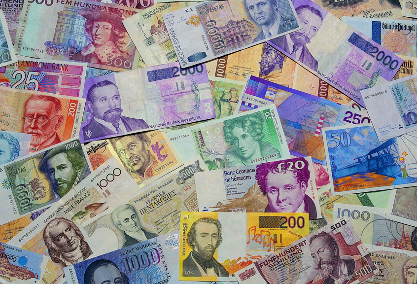 846 x 576 Popierinė valiuta