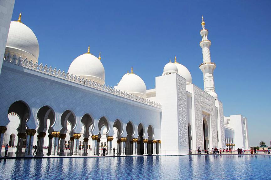 JAE Mosque Pigūs skrydžiai į Dubajų
