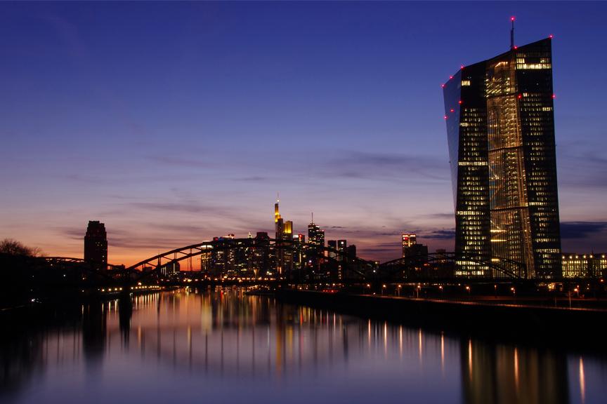 pigūs skrydžiai į Frankfurtą su skrendu.lt