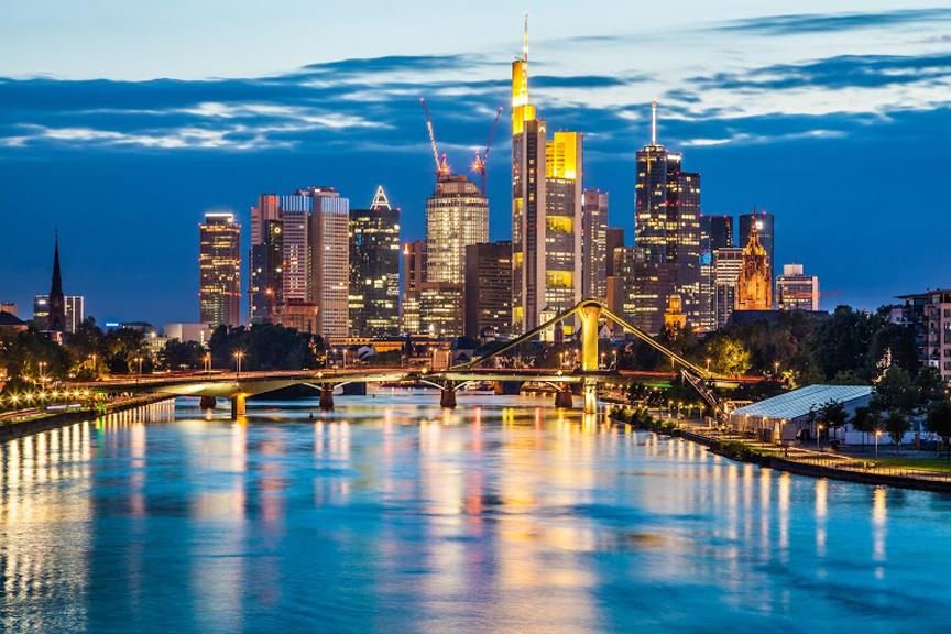 skrisk į Frankfurtą pigiau. paskutinės minutės pasiūlymai į Frankfurtą