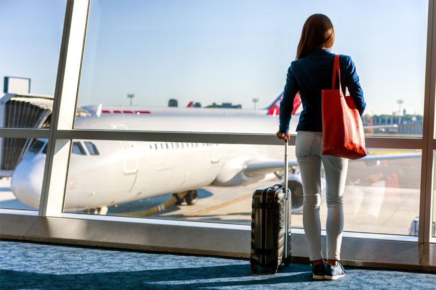 Mergina laukianti skrydžio