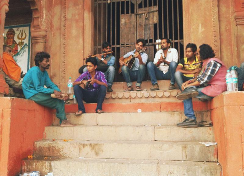 Muzikavimas Indijos gatvėse