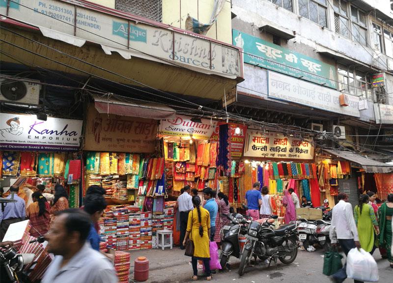 Indijos gatvėse verda gyvenimas