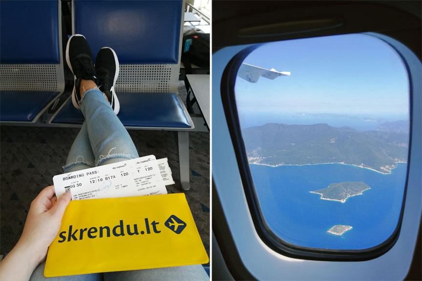 Mergina su bilietais ir Skrendu.lt atributika, sala pro lėktuvo langą